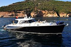 Катера и яхты в Турции на сайте Yahtastambul.com С нашей помощью легко купить катер или моторные яхты в Стамбуле легко. Купить яхту Энджел Лобстер 15 в Турции.