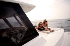 Купить яхту катамаран по доступной цене с флайбриджом в Турции. Транспортировка яхты катамарана в Россию и Украину. Продажа яхты, катамаранов и катеров в Турции. Купить яхту в Турции  - Yahtastambul.com