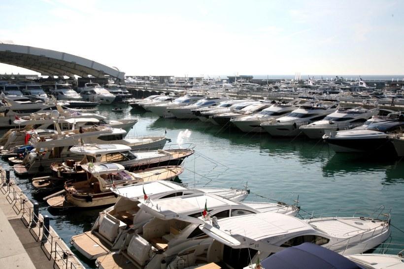 Международная выставка яхт Genoa Boat Show пройдет со 2 – по 6 октября 2013 года в Италии. Купить яхту в Турции, Аренда яхт в Турции, продажа катеров в Турции - Yahtastambul.com